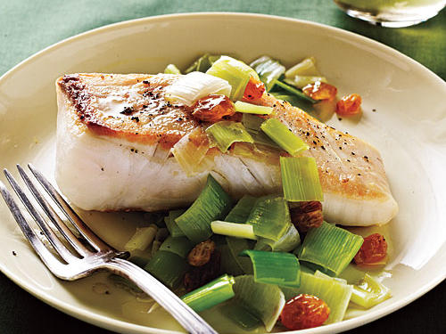 Prepare this effortless fish dish after coming home from a tiring workout. A 6-ounce portion of halibut contains over 35 grams of protein and 800 milligrams of inflammation-fighting omega-3 fats.Recipe: Halibut with Leeks