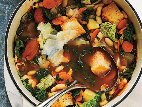 This Tuscan cuisine is traditionally made by reheating leftover minestrone or vegetable soup from a prior meal and adding bread. Enjoy our take on this famous and flavorful Italian soup made with country bread and a variety of vegetables including kale, broccoli rabe, and red potato.