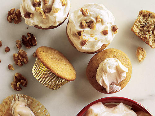 Walnut Cupcakes with Maple Frosting Recipe