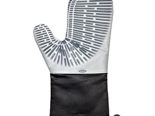 Essential Broiling Tools: Oxo Good Grips Silicone Oven Mitt