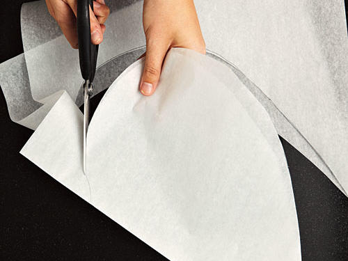 How to Cook Fish in Parchment: Cut Out Shape