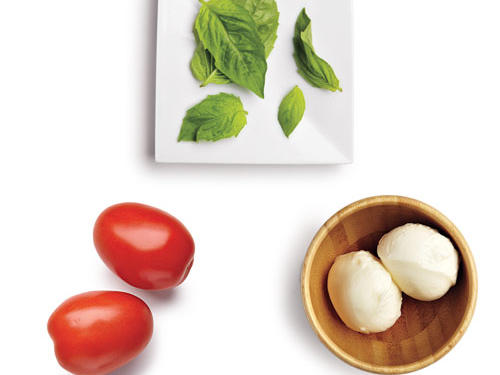 100-Calorie Classic Caprese Salad Topping