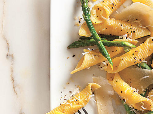 100 Pasta Recipes: Garganelli with Asparagus and Pecorino Cheese