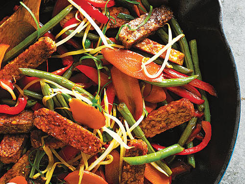 Tempeh and Green Bean Stir-Fry with Peanut Sauce recipe