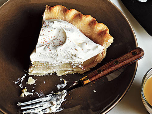 Cinnamon, ginger, and black tea combine for an enticing and unexpected blend of spices and flavors in our Chai Cream Pie. Serve with after-dinner coffee for a new dessert that is sure to become an instant favorite.