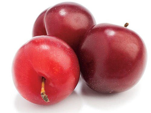Another deliciously sweet-tart plum that can be hard to find. Crimson skin with blondish-amber flesh.