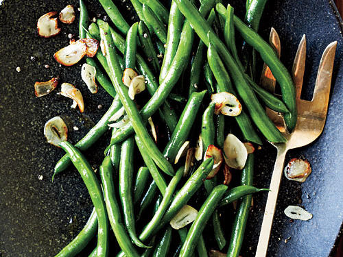 Superfast Holiday Dishes Green Beans with Toasted Garlic