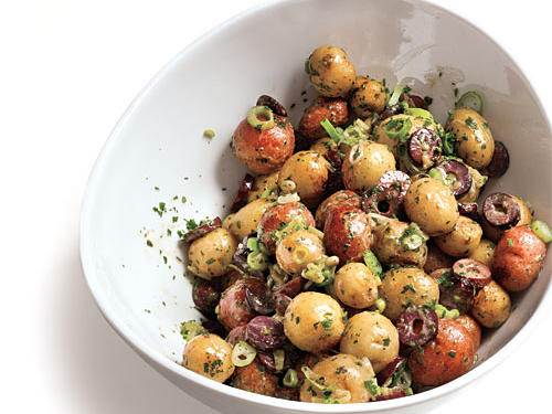The mesquite wood chips bring a strong smoky flavor to the potatoes, but the vinaigrette balances it out, especially when the kalamata olives are added to the mixture. To bring more heat to the potato salad, you can add cayenne or red chili flakes.