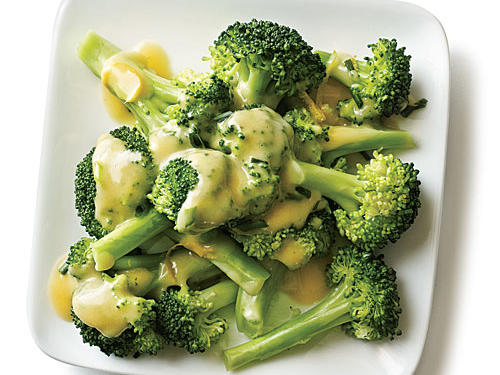 Cheddar-Beer Sauce Broccoli