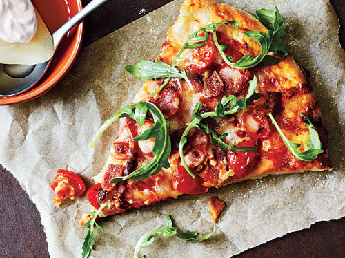 Healthy Bacon, Tomato, and Arugula Pizza Recipe