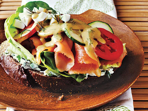 Hawaii Recipe: Open-Faced Smoked Salmon Sandwich