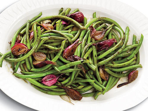 Balsamic-Glazed Green Beans and Pearl Onions Recipe