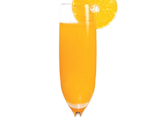 Sweet and sunshiny, this sophisticated twist on a standard mimosa is ideal for a daytime red carpet watch.