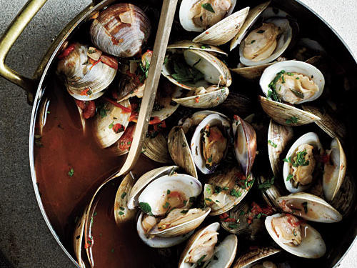 Clam and mussels are best in a light wine broth with crusty bread to soak up the savory broth. Cook clams within 24 hours of purchasing in order to ensure freshness. Be sure to throw out any clams that don't close their shells when tapped.