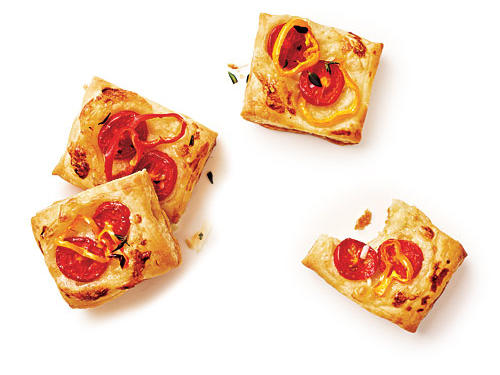 Pizza is a no-fail way to get kids to eat their vegetables. These Tomato-Baby Bell Pepper Tartlets offer two antioxidant-packed vegetables in cute little pizza-like bites. Rich in vitamin C, bell peppers also add a colorful punch to snack time.Just 1/2 cup of raw bell pepper slices more than meets your child's needs for the day. The cherry tomatoes offer up plenty of beta-carotene, which is vital for healthy vision.