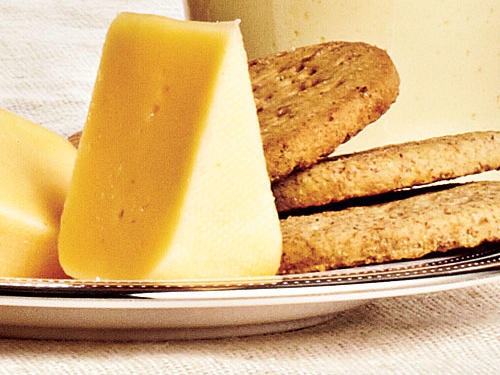 Cheese and Crackers Calories