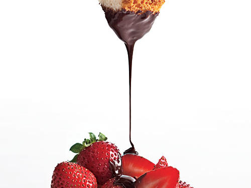 This is pure chocolate indulgence, with a whiff of hazelnut. Fondue is more versatile than you may think. Drizzle this warm sauce over cake, ice cream, or yogurt.