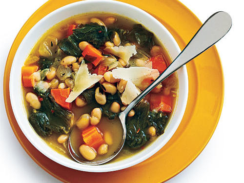 Tuscan White Bean Soup with Escarole