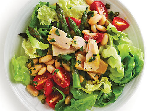 A fresh vinaigrette replaces the heavy mayo dressing in traditional tuna salad. You'll love the fresh produce that stars in this lunchtime makeover.