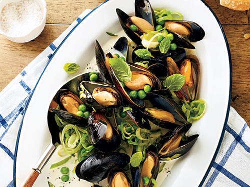 Farmed mussels are a sustainable choice. If you can't find fresh peas, use frozen.