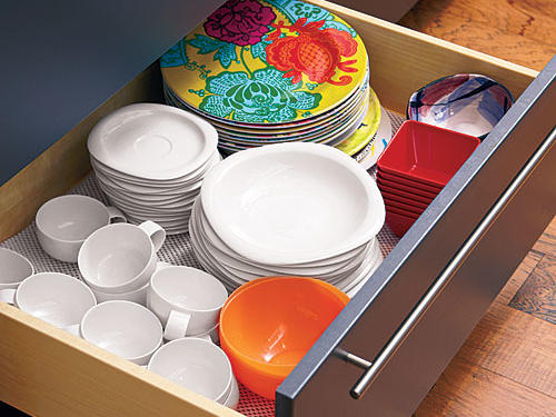 Everything is visible at a glance in drawers.