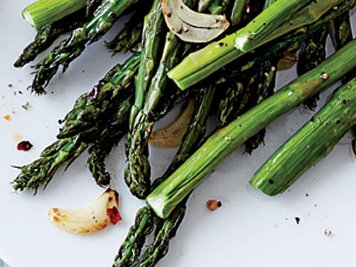 Garlic and Red Pepper Asparagus