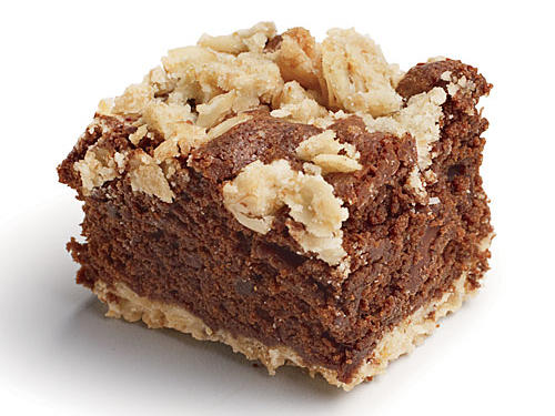 Satisfy the whole family's chocolate cravings with these delicous fudgy oatmeal bars.