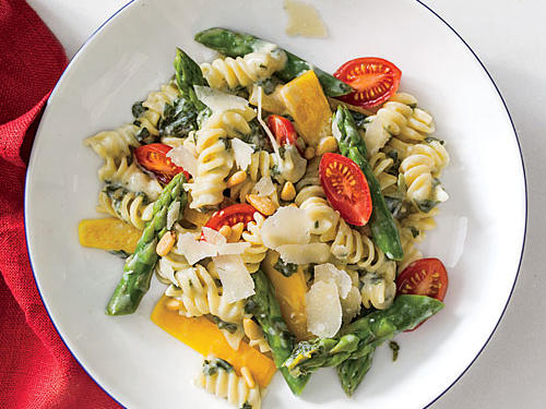Spinach-Artichoke Pasta with Vegetables