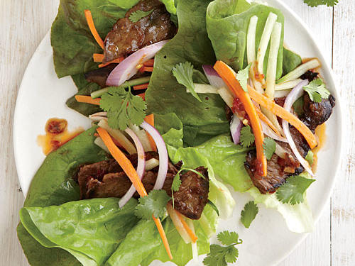 Give traditional lettuce wraps a kick in the tastebuds with the addition of zesty spiced steak.