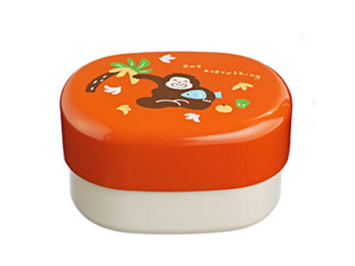 We aren't monkeying around—we love this Hakoya monkey bento box ($24 USD)! Its 2-tier design keeps foods organized, and it even includes an elastic band to keep things nice and secure.Microwave-safeDishwasher-safe