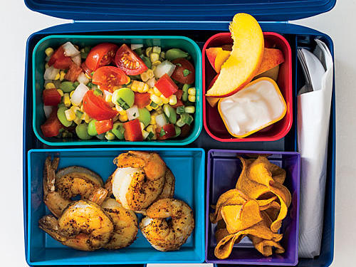 Whether you're a displaced Southerner or someone into the Southern food trend, the Southern Bento Box allows you to enjoy some soulful favorites from the region.Make our recipe: Succotash with ShrimpThen add...12 sweet potato chips1 large peach, sliced¼ cup vanilla fat-free Greek yogurtSERVES 2