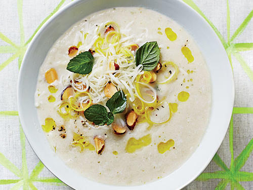 1405 MP: Fennel Soup with Almond-Mint Topping