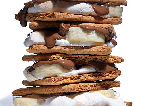 Who says s'mores are just for the campfire? At only 140 calories per serving, feel free to indulge from home.