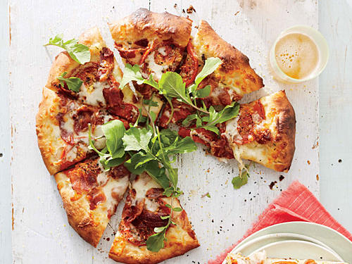 BLT Pizza with White Sauce