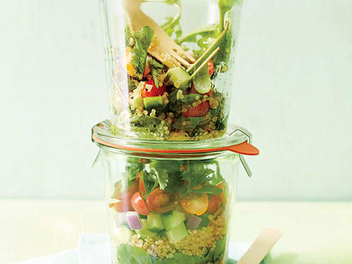 15. Learn the best way to pack your lunch salads.