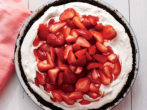 Deep-Dish Strawberry Ice Dream Pie recipe