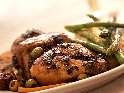 These company-worthy dishes such as Moroccan Cornish Hens, Mustard-Dressed Asparagus, and Grapefruit-and-Fennel Salad look as delicious as they taste―without any extra work.View Menu: Spring Dinner Party