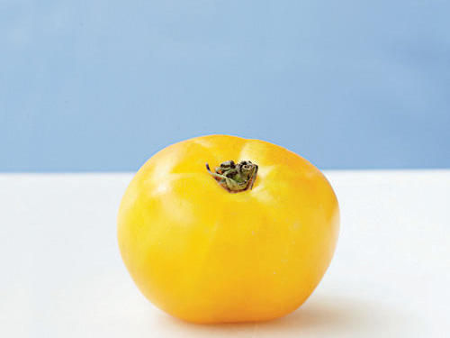 A Russian variety, this pale yellow beefsteak tomato has a strong, zesty, sweet citrusy flavor. It is also sometimes spelled Lemony.