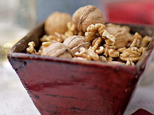Walnuts are storehouses of alpha-linolenic acid, an omega-3 fat that's a key component of the lubricating layer that keeps skin moist and supple. A ½-ounce serving of walnuts provides 100% of the recommended daily intake of ALA.