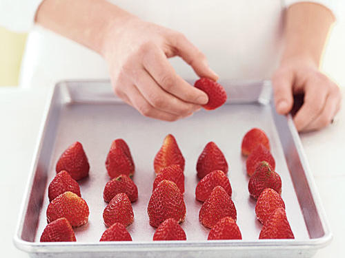 Freeze Fresh Berries: Place in Freezer