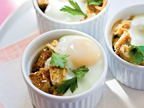 Baked Eggs en Cocotte with Onions Vegetarian Egg Recipe
