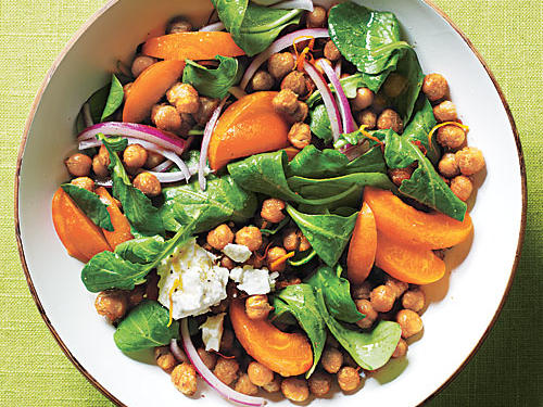 With just the right about of protein, our chickpea salad serves as a hearty lunch or lighter dinner option.