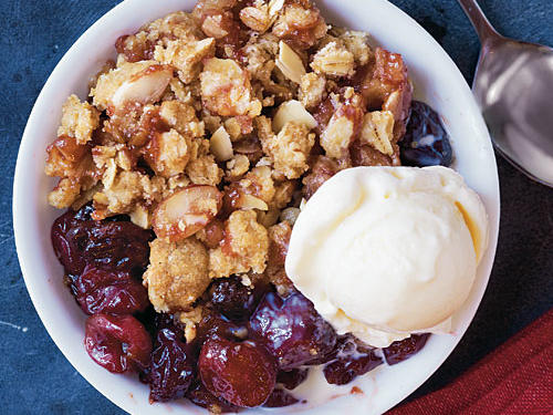 This heart-warming cherry crisp is full of tasty flavors that are sure to leave you begging for seconds. Serve warm with a small scoop of vanilla frozen yogurt for a creamy-crunchy dessert.