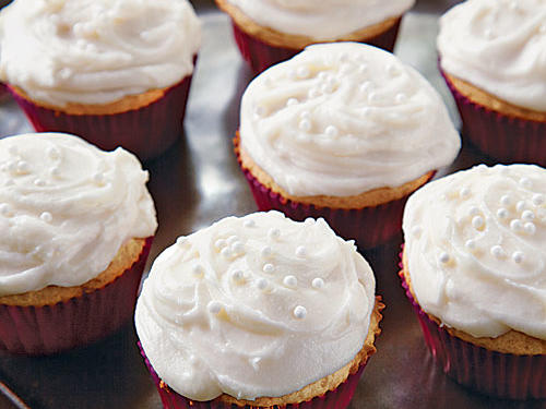 Vanilla Cupcakes with Creamy Vanilla Buttercream recipe
