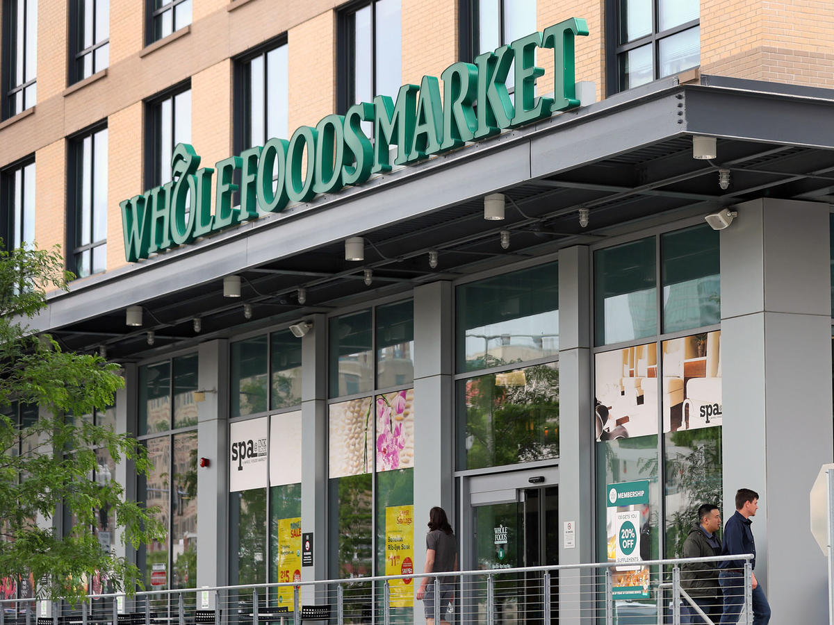 12 Items Nutritionists Love Buying From Whole Foods