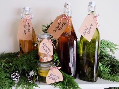 DIY Extracts Gifts