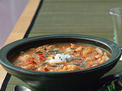 This soup goes great wtih breadsticks or baguettes.