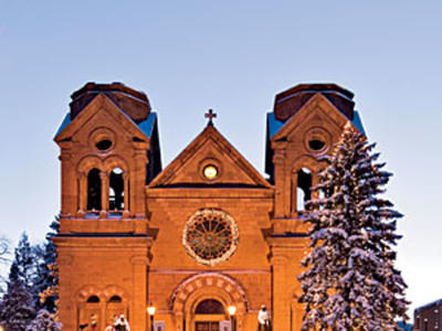 At Christmastime, Santa Fe's residents keep old-world traditions that date back to the city's 17th-century founders.