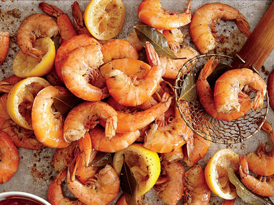 Boiled Shrimp with Tangy Cocktail Sauce