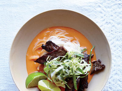 Easy Thai Steak Noodle Bowl Recipe
